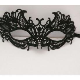 Кружевная маска с листиками